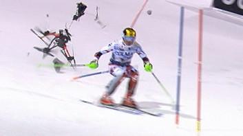 Drohne stürzt hinter Harscher beim Slalom in Madonna di campiglio 2015